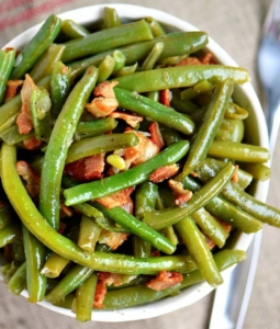 cooked green beans and bacon