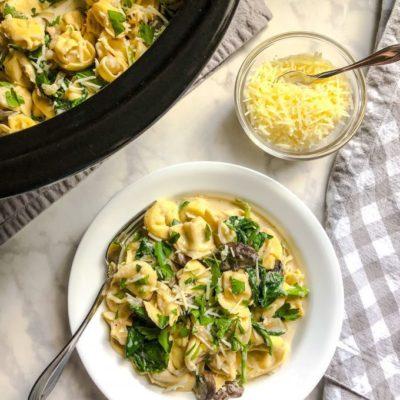 Slow Cooker Mushroom-Spinach Tortellini