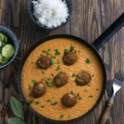 Falafel with Garam Masala Sauce and Rice