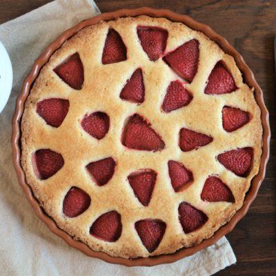 Strawberry Cake with Homemade Vanilla Sauce