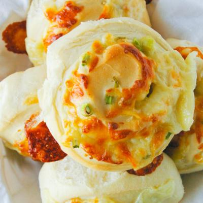 Mozzarella Green Onion Rolls