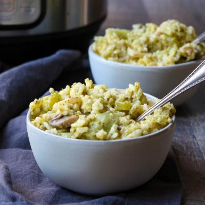 Instant Pot Cheesy Chicken, Broccoli, & Rice