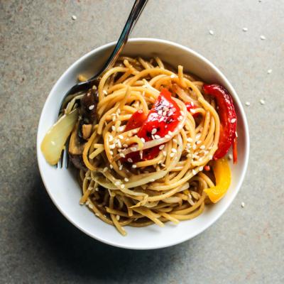Sesame Garlic Noodles with Crunchy Vegetables