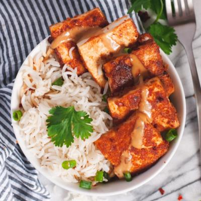 Crispy Tofu with Spicy Peanut Sauce