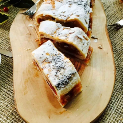 Quick 'n' Yummy Apple Strudel