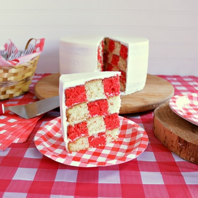 Super Cool Picnic Party Cake