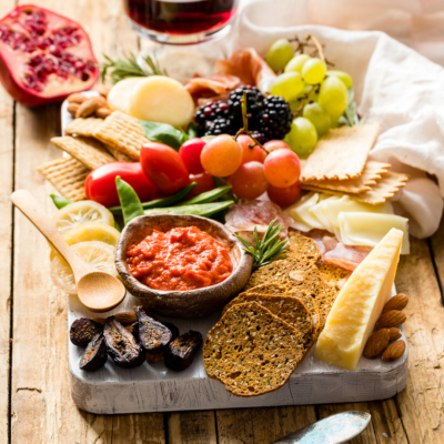 How To Make a Gorgeous Cheese Board