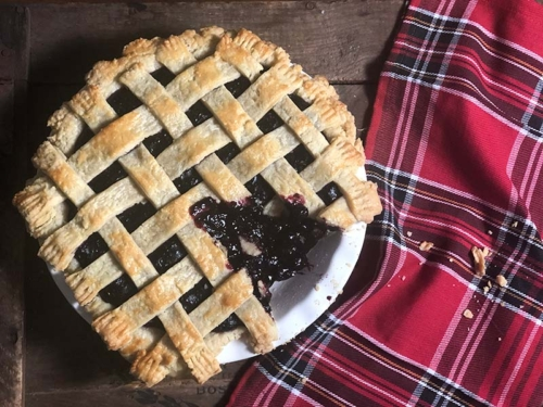 blueberry raspberry pie with lattice crust