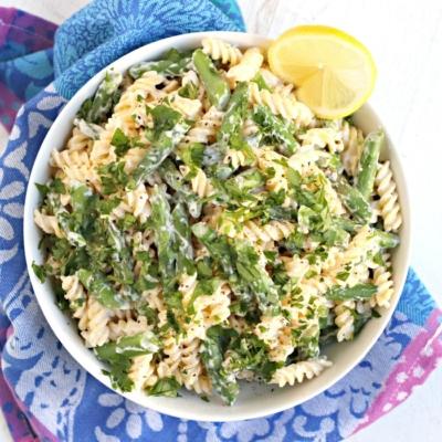 Creamy Asparagus Pasta (Vegan)
