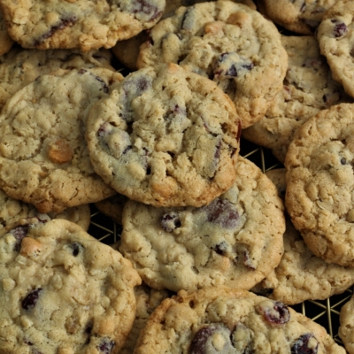 Soft Chewy Oatmeal Cookies