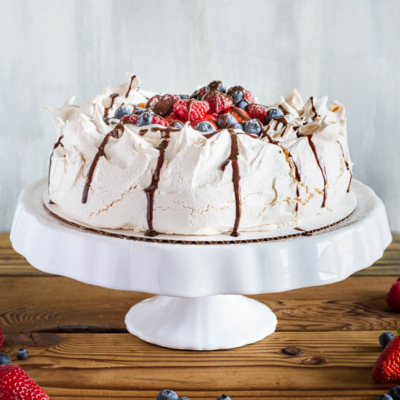Pavlova with Fresh Whipped Cream