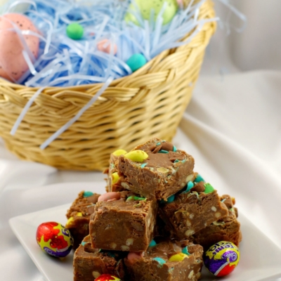 Microwave Easter Creme Egg Fudge