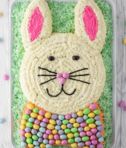 a cake decorated as the Easter Bunny