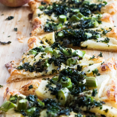 Puff Pastry Pizza with Blue Cheese, Apples & Kale Chips
