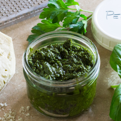 Fresh Basil Pesto with Walnuts