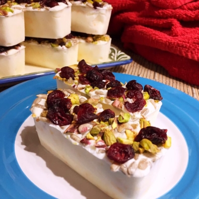 Yogurt Bars with Fruit and Nuts