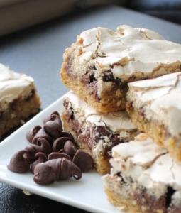 chocolate chip meringue bars