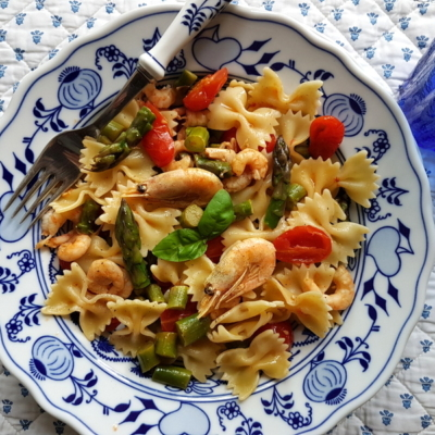 Italian Shrimp and Asparagus Farfalle Pasta Recipe