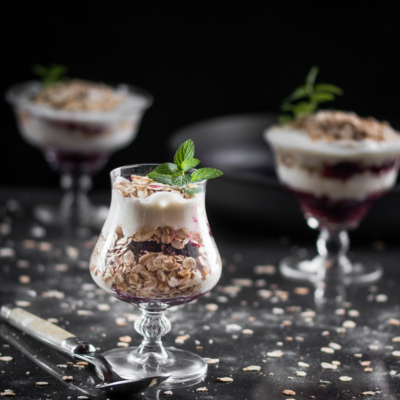 Berry, Toasted Oat and Honey Yogurt Parfait Recipe