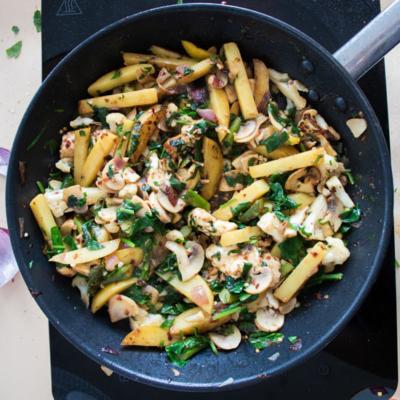 20-minute Potato Halloumi Stir-fry