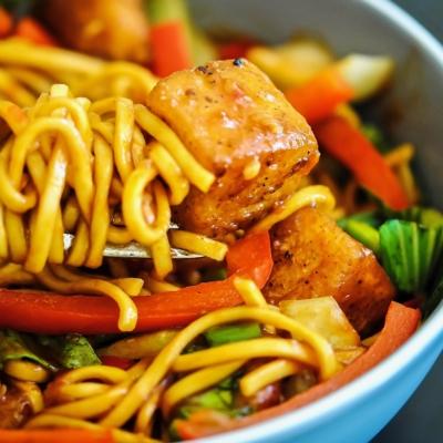 Crispy Sweet Chilli Halloumi Noodles