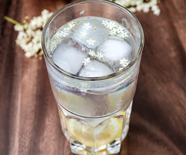 Lemon Elderflower Cocktail