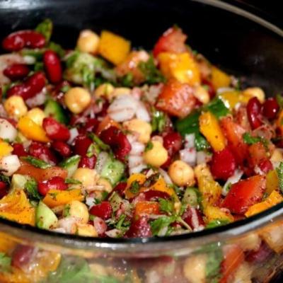 Middle Eastern Bean Salad-Balela