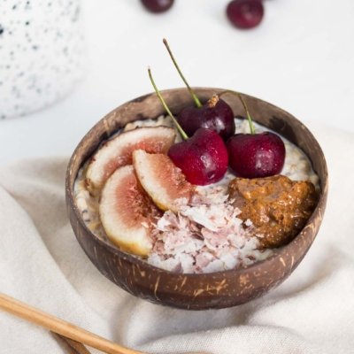 Overnight Oats with Almond Butter, Brown Rice Flakes, Cherries & Fig