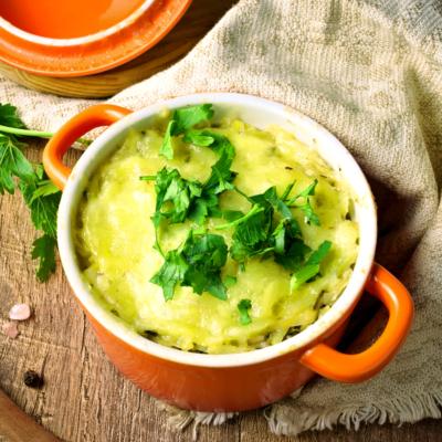 Cheesy Hashbrown Casserole (Easy Potato Recipe)