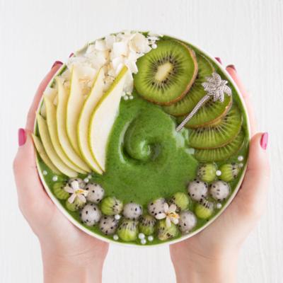 Kiwi Pear Smoothie Bowl