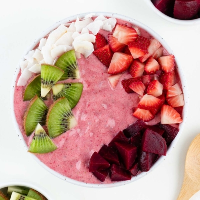 Strawberry Beet Smoothie Bowl