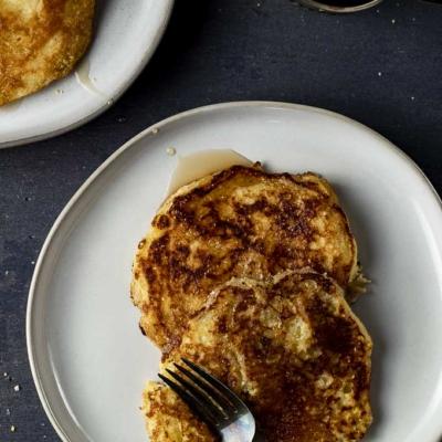 How to Make Cornmeal Pancakes