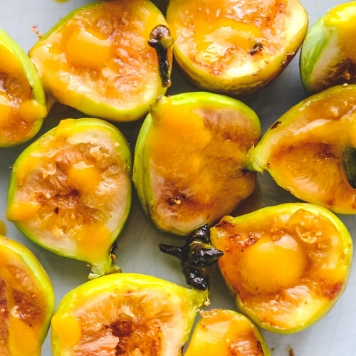 Grilled Figs with Ginger Sauce