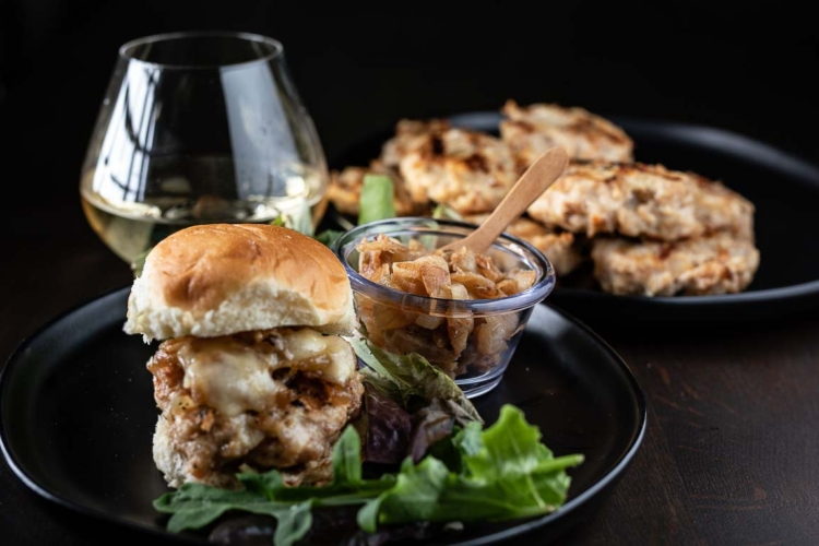 Healthy Chicken Burgers with Caramelized Onions