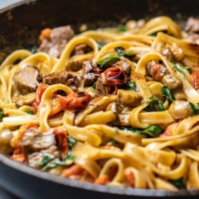 Budget-Friendly Garlic & Mushroom Pasta