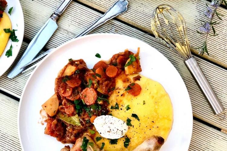 Chicken with Garlic Vegetable Tomato Sauce and Polenta