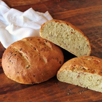 Cheesy Bacon Semolina Bread