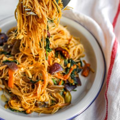 20 Minute Peanut Rice Noodles