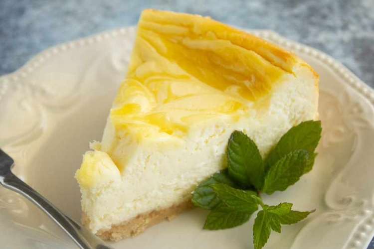 Lemon Swirl Cheesecake