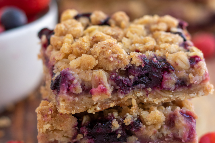 Mixed Berry Oatmeal Crumble Bars