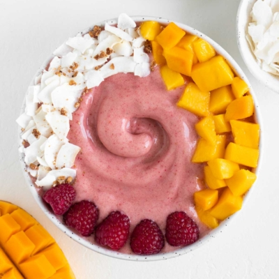 Raspberry Mango Smoothie Bowl