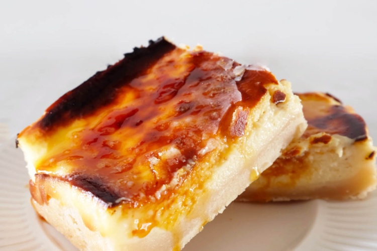 Creme Brûlée Cheesecake Bars