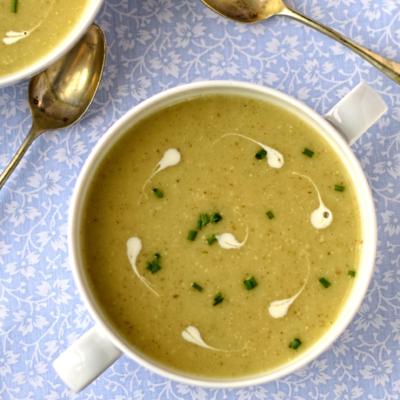 Jerusalem Artichoke and Roast Garlic Soup
