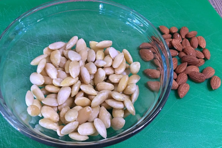 Blanched Almonds • How To