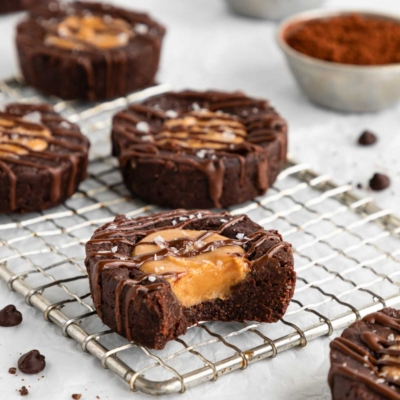 No Bake Peanut Butter Brownie Cups