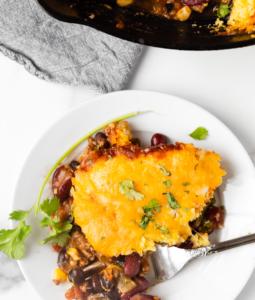 Skillet Beef and Cornbread Casserole